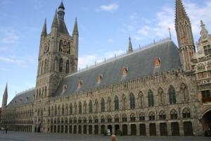 Halle aux blés d'Ypres où est situé le Flanders Fields muséum