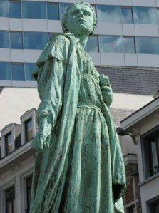 Gabrielle Petit, Place Saint-Jean, Bruxelles