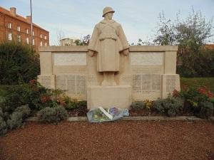 Jan et Joël Martel, Monument aux mort du Familistère de Guise.