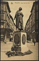 Staue de Gabrielle Petit, place Saint-Jean à Bruxelles